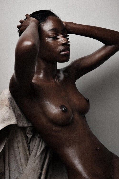 bumping-naked-skinny-black-models-picture