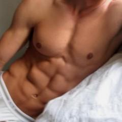 Boxer, slip ou caleçon, quel sous vêtement homme préférez-vous voir ?